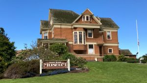 guest-house-museum-fort-bragg-california