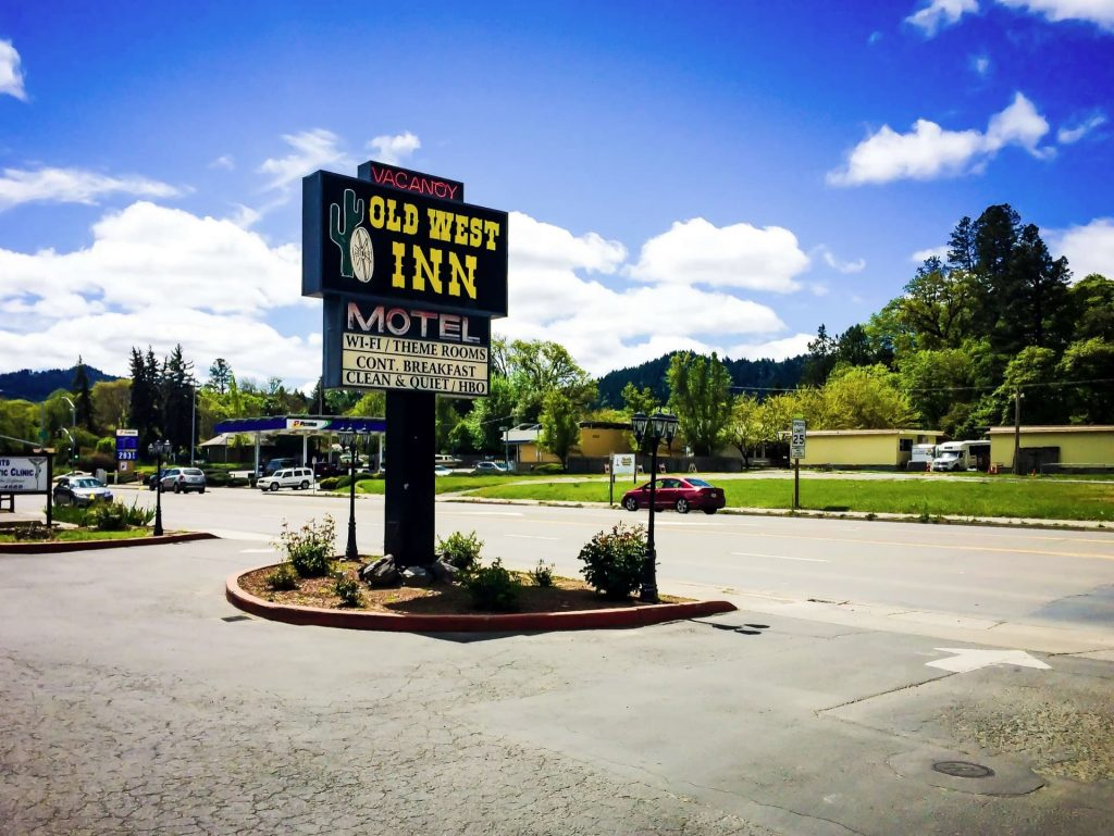 Best Hotel In Willits CA - The Old West Inn - 2018