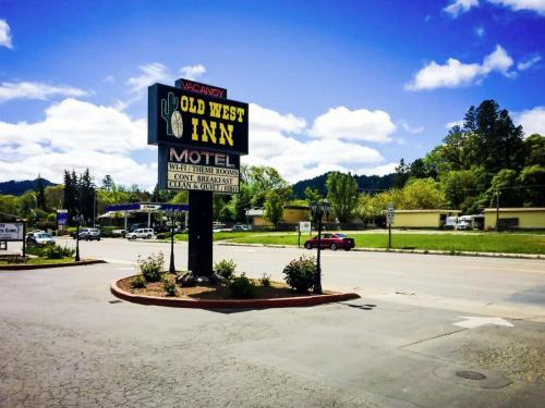 Best Hotel In Willits - The Old West Inn - 2018 15
