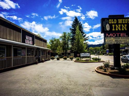 Best Hotel In Willits - The Old West Inn - 2018 16