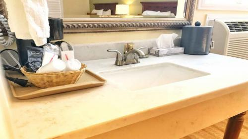 Willits Hotels - The Old West Inn - 2019 Amenities - 1