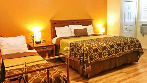 Willits Hotels - The Old West Inn - 2019 Family Room - 6